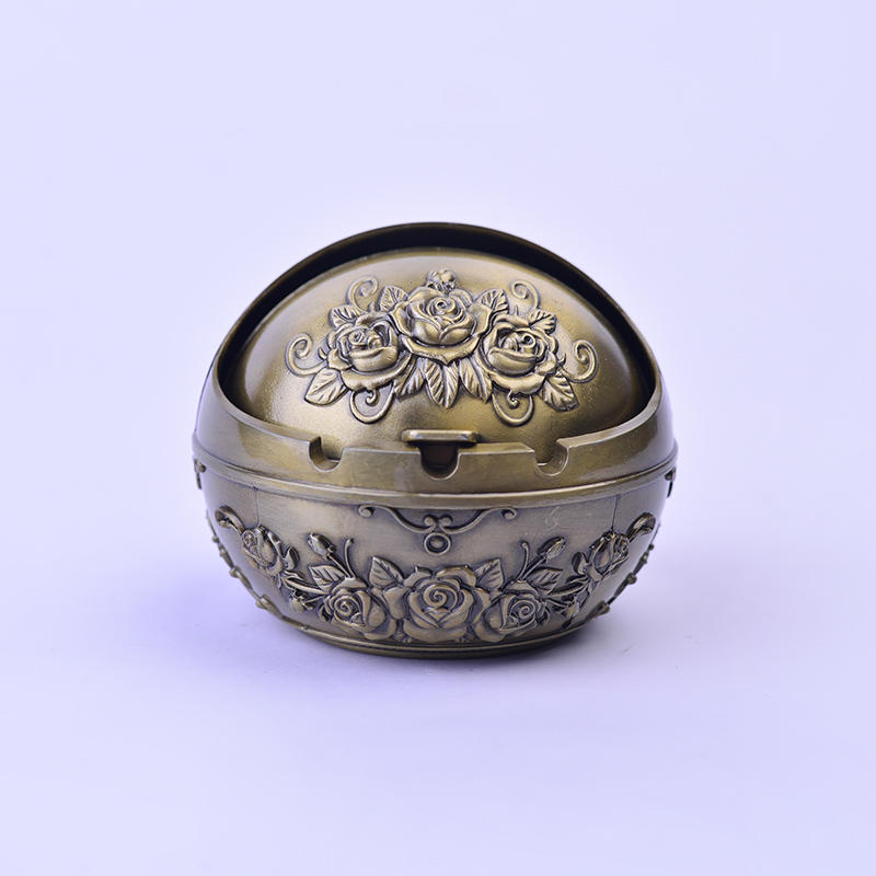 Retro windproof rose three-dimensional carved ashtray