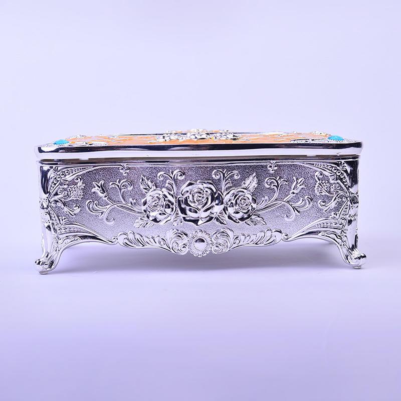 Fine carved European silver tissue box