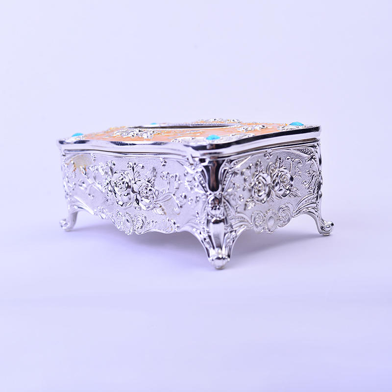Fine carved European silver tissue box