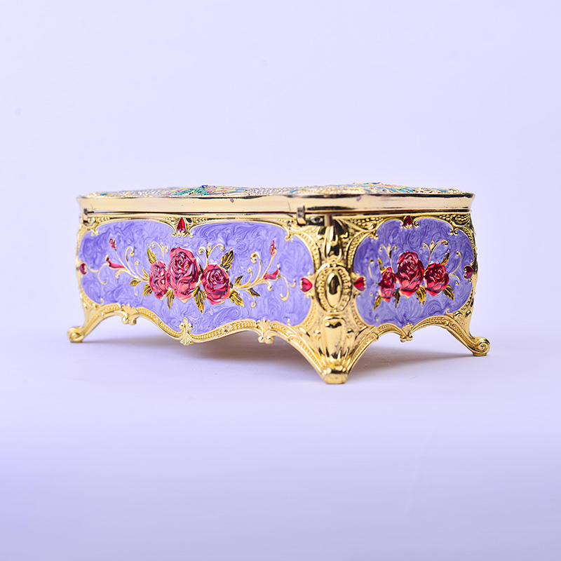 European three-dimensional jewelry storage box