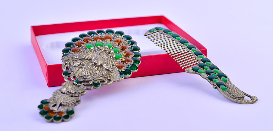 Xinglin Brand makeup peacock carved vintage mirror and comb set carving
