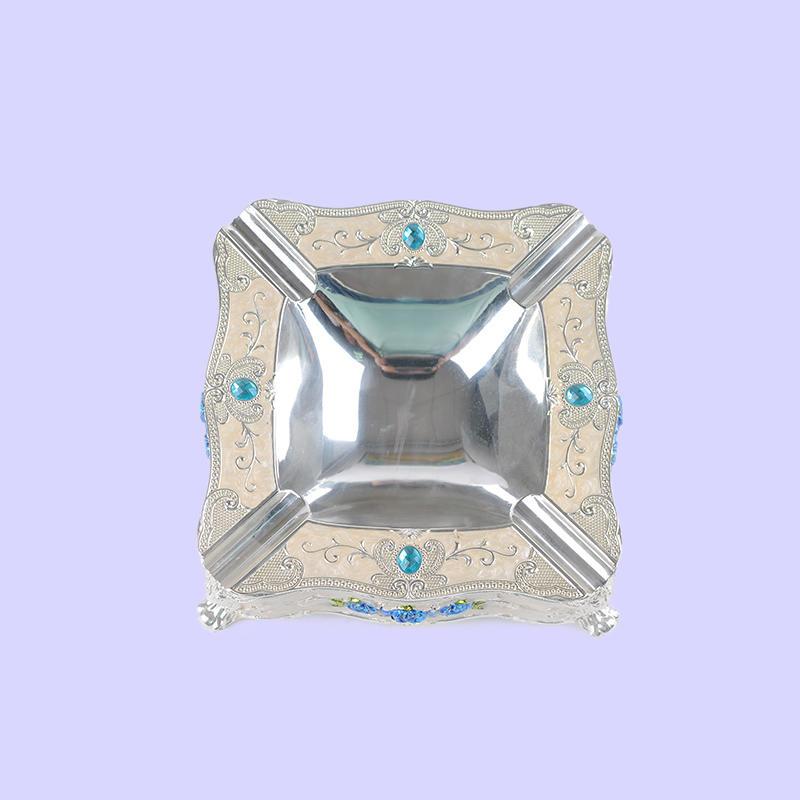 European-style three-dimensional carved diamond-studded luxury metal ashtray