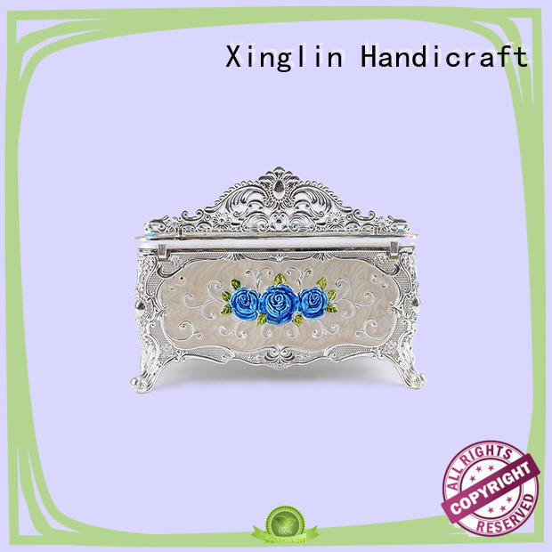 Xinglin diamond encrusted silver tissue box for busniess for clubs