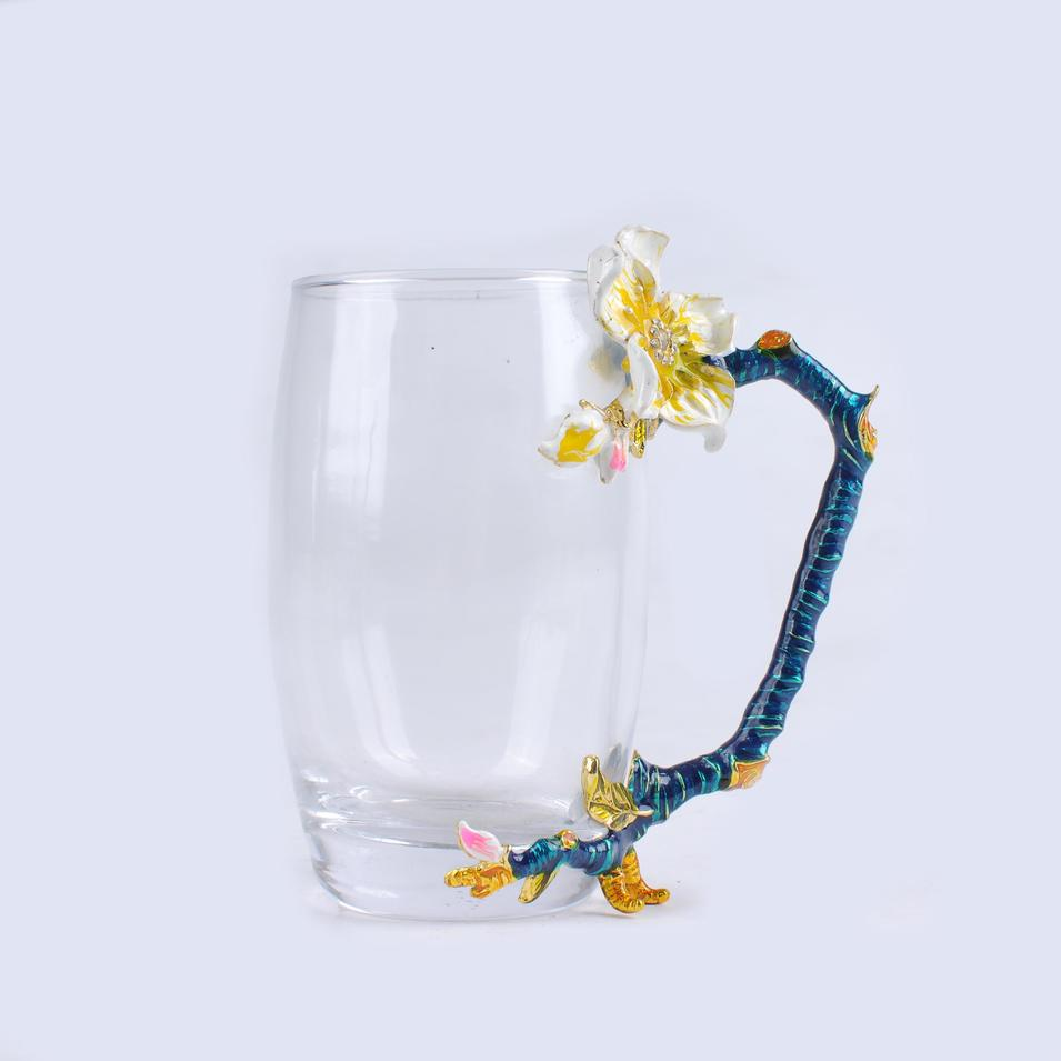 High light transmission lead-free crystal glass cup
