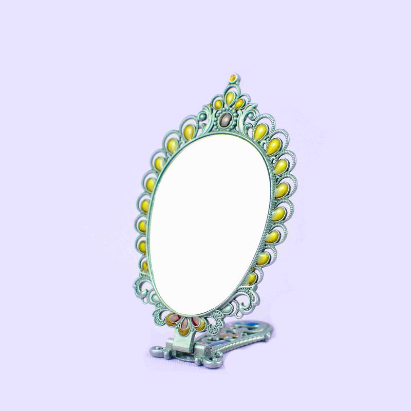 Retro hollow folding mirror