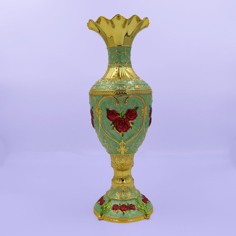 European retro rose vase decoration